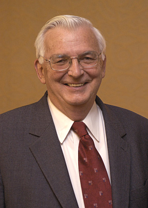 Charles O'Melia in a 2004 photo by Will Kirk/homewoodphoto.jhu.edu/.